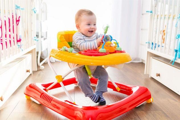 Проходилка за бебе - полезни съвети при избор